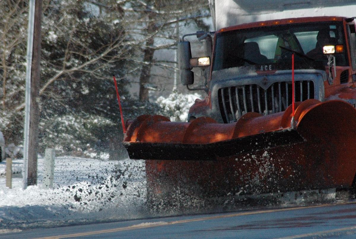 DelDOT plow Route 12