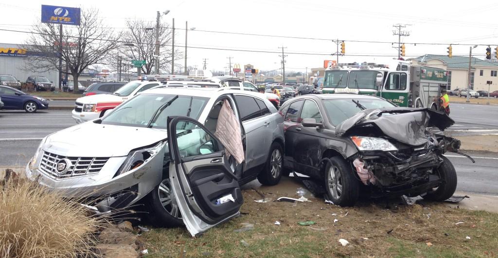 Crash at Kirkwood Highway and Limestone Road (Photo: DFN)