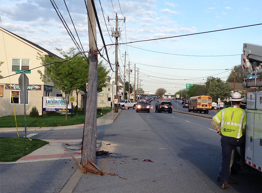 Crash snapped utility pole on Kirkwood Highway at Elizabeth Avenue, causing detours through neighborhood streets. (Photo: DFN)