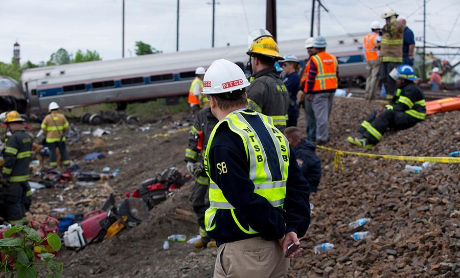 Investigators at scene of train wreck in Philadelphia (Photo: NTSB)