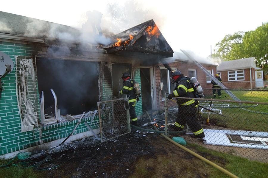 Fire on Dallas Road in Simonds Gardens (Photo: Delaware Free News)