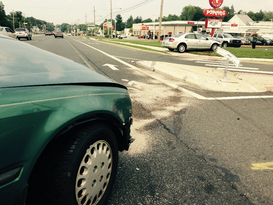 Crash on Capitol Trail at Darwin Drive near Newark (Photo: Delaware Free News)