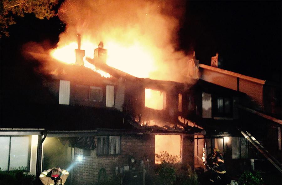 Fire on Raintree Court in Pepper Ridge community in Pike Creek (Photo: Delaware Free News)