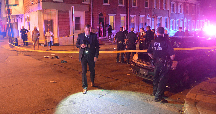 Wilmington police investigate shooting at 10th and North Spruce streets. (Photo: Delaware Free News)