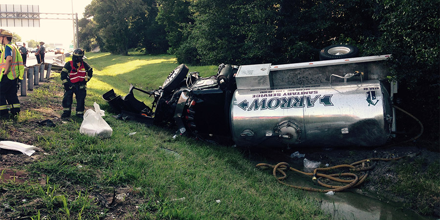 Septic tank truck crashed on northbound Interstate 95 south of the Route 141 exit. (Photo: Delaware Free News)