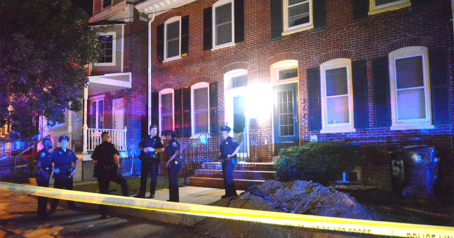 Police investigate at scene of shooting in 500 block of Vandever Ave. (Photo: Delaware Free News)