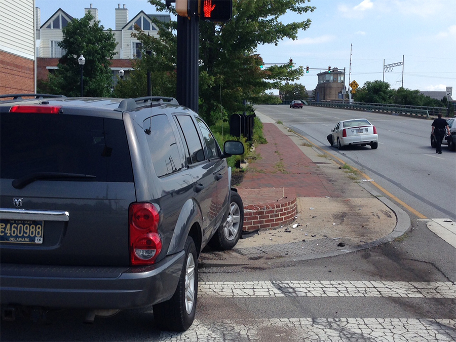 Accident scene at A and South Walnut streets in Wilmington (Photo: Delaware Free News)