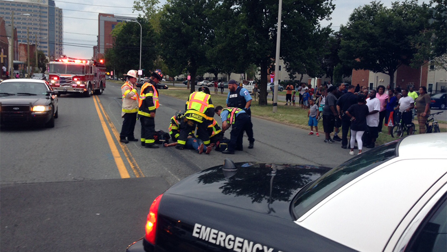 Accident scene at Fourth and Spruce streets in Wilmington (Photo: Delaware Free News)