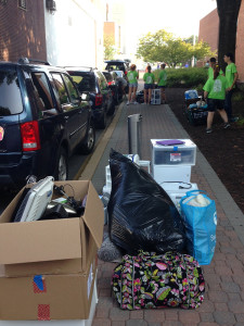 Freshmen moving in at the University of Delaware (Photo: Delaware Free News)
