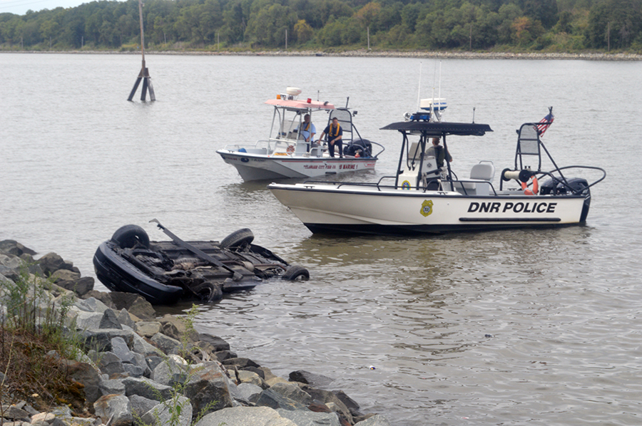 Accident scene along the Chesapeake & Delaware Canal (Photo: Delaware Free News)