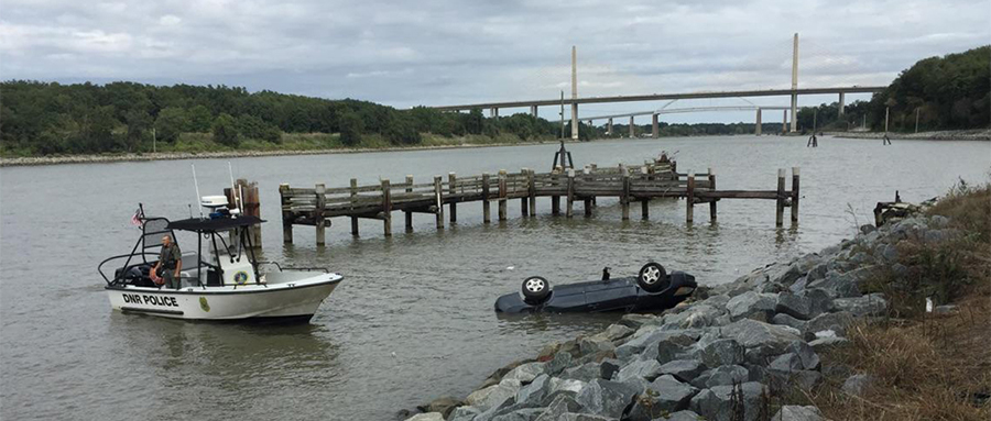 Car went into Chesapeake & Delaware Canal west of the Route 1 Roth Bridge, on south side of canal. (Photo: Department of Natural Resources and Environmental Control.)
