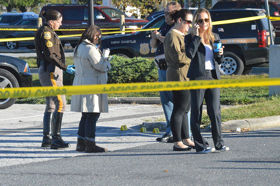 Body was found in parking lot at Airport Plaza. (Photo: Delaware Free News)