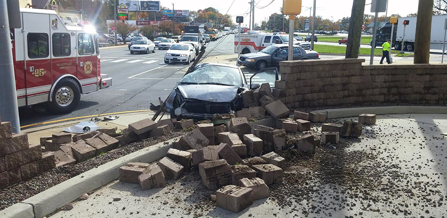 Car hit wall at Taco Bell restaurant on Concord Pike in Talleyville. (Photo: Delaware State Police)