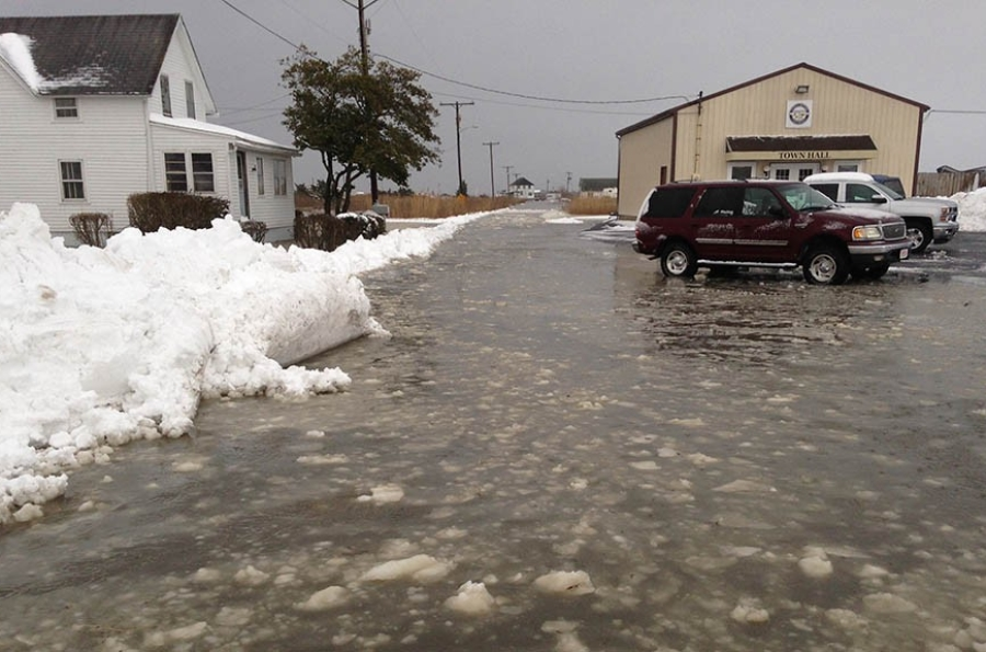 Flooding before high tide in Bowers Beach (Photo: Delaware Free News)