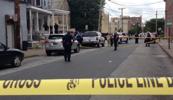 Police cordoned off crime scene Aug. 10  in 400 block of W. Seventh St. in Wilmington. (Photo: Delaware Free News)