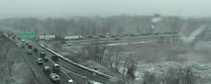 Northbound Interstate 95 traffic backs up at 8:45 a.m. below the Route 141 overpass near New Castle. (Photo: DelDOT traffic cam)