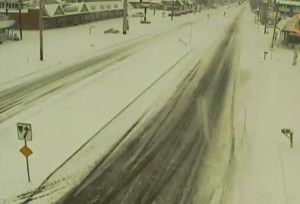 Snow covers Route 1 in Fenwick Island at daybreak. (Photo: DelDOT traffic cam)