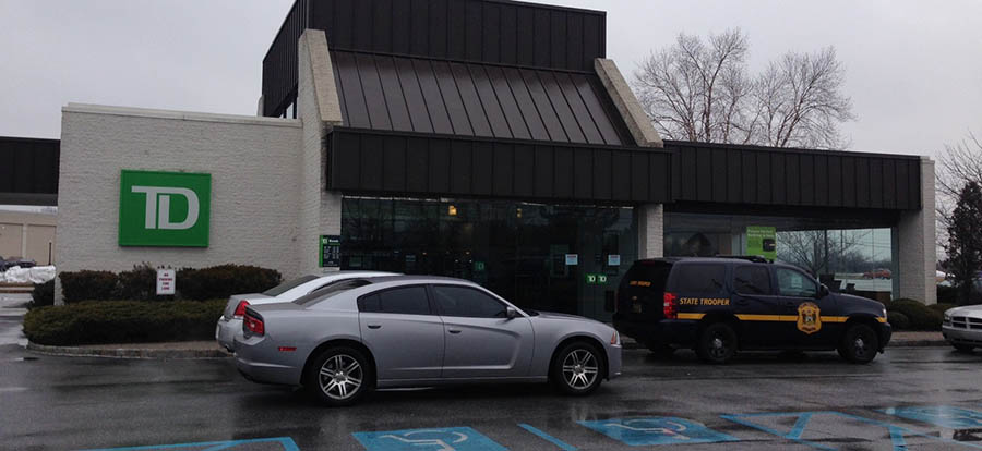 Delaware State Police investigate robbery at TD Bank on Christiana Road. (Photo: Delaware Free News)