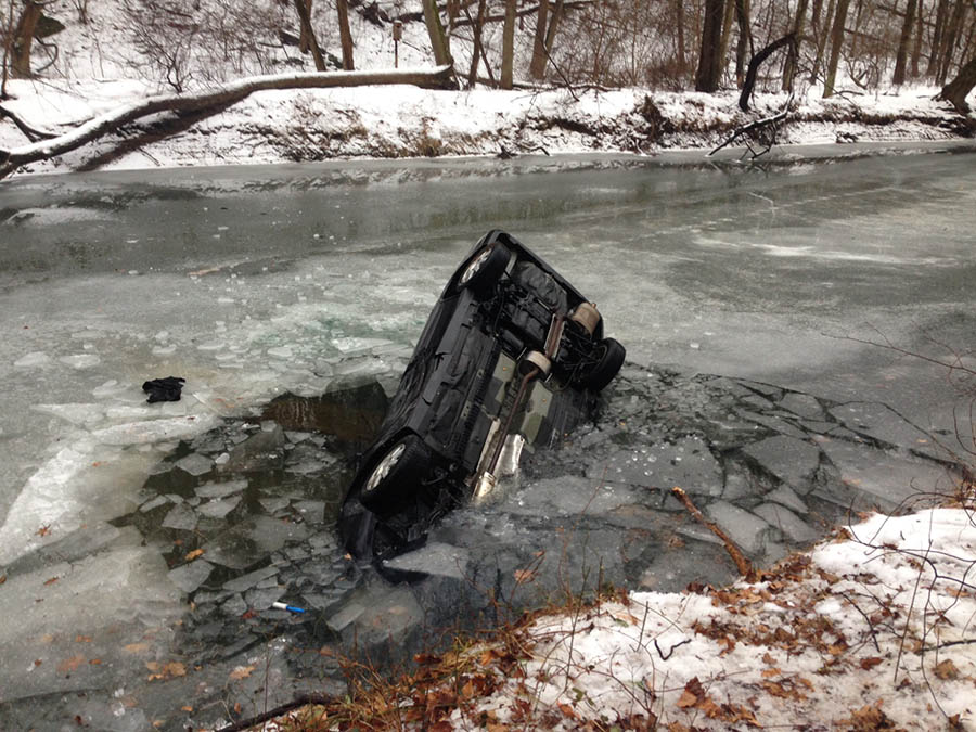 Vehicle went off ice-slicked Creek Road, struck tree and went into Red Clay Creek in Yorklyn. (Photo: Delaware Free News)