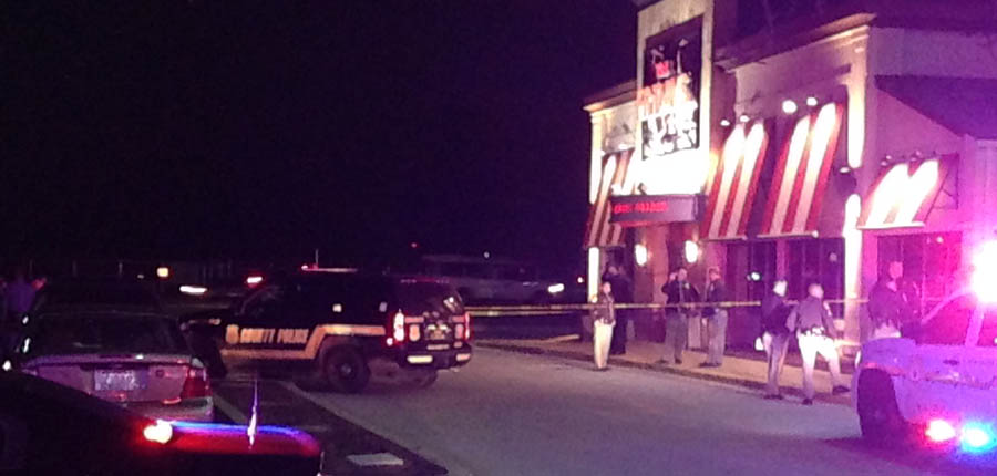 Police investigate fatal shooting at T.G.I. Friday's on U.S. 13 in New Castle. (Photo: Delaware Free News)