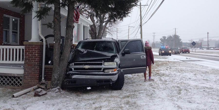 Accident scene on Ogletown Road (Photo: Delaware Free News)