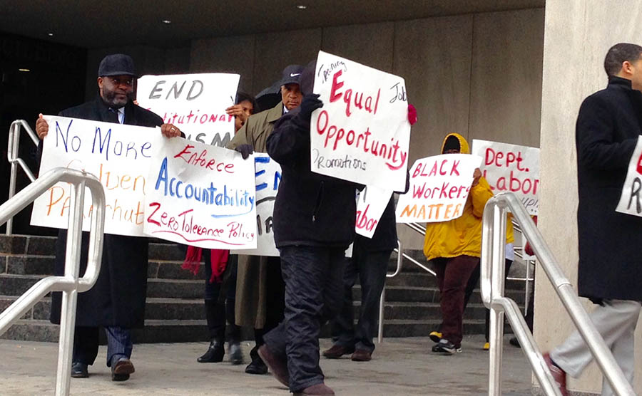 Protest at Carvel State Building in Wilmington (Photo: Delaware Free News)