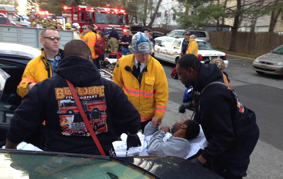 Six people from Hidden Valley Apartments were taken to area hospitals for treatment. (Photo: Delaware Free News)