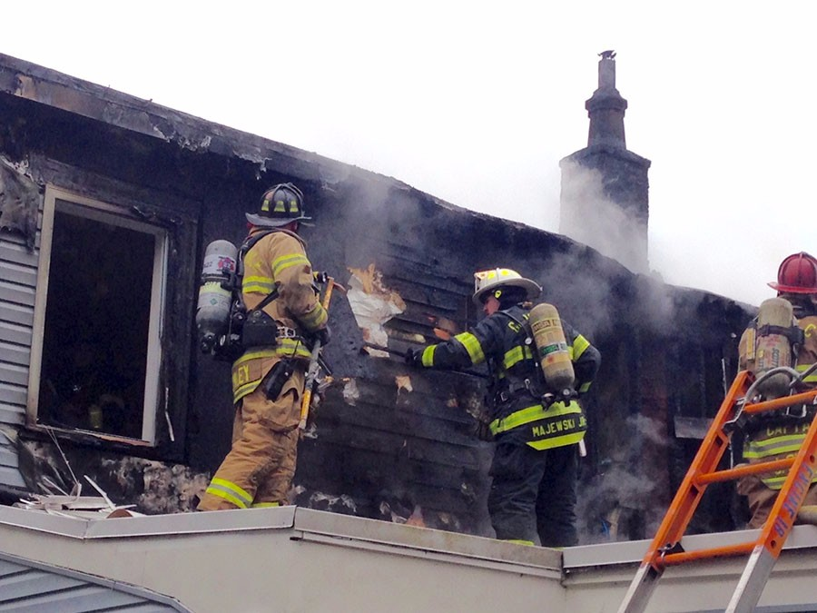 New Castle, Delaware: Two families were left homeless when fire heavily damaged townhomes in the 500 block of W. Ninth St. in New Castle about 10 a.m. Sunday.  Good Will Fire Company and other area firefighters responded. (Photo: Delaware Free News)
