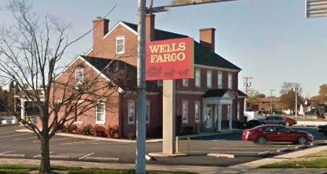 Wells Fargo Bank, 100 N. DuPont Highway (U.S. 13)
