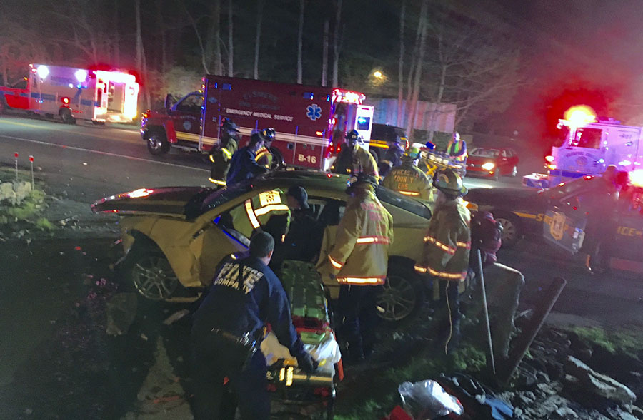 Car struck a deer on Kennett Pike (Route 52) in Greenville. (Photo: Delaware Free News)