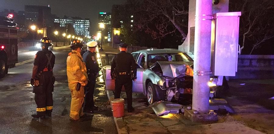 Vehicle struck pole on Washington Street Bridge in Wilmington. (Photo: Delaware Free News)