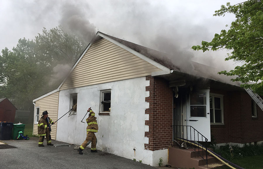 Elsmere firefighters work to extinguish house fire in the 200 block of Tamarack Ave. (Photo: Delaware Free News)
