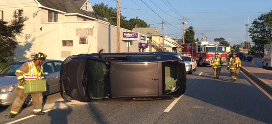 Two vehicles collided in the 900 block of Kirkwood Highway in Elsmere. (Photo: Delaware Free News)