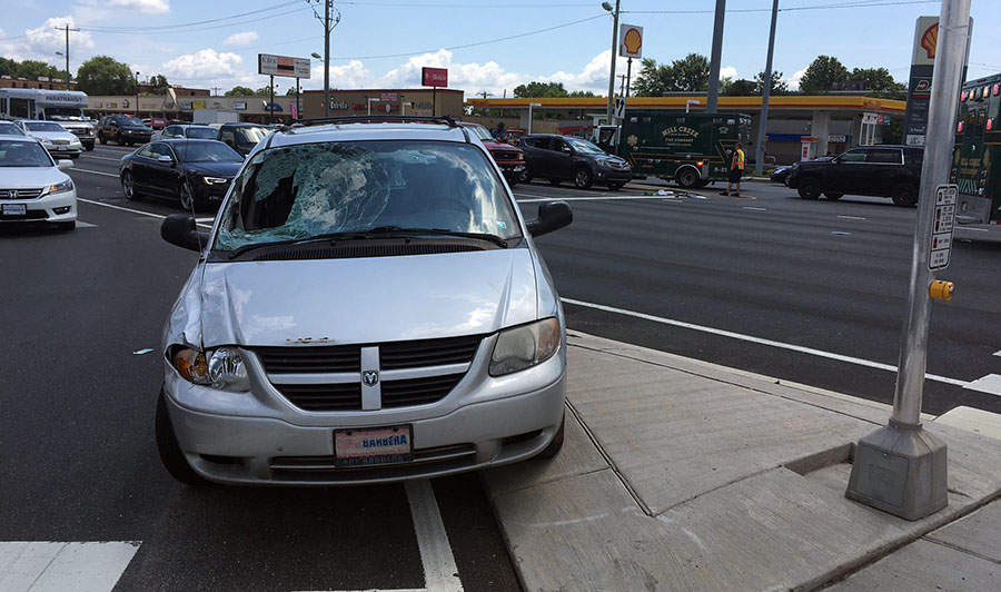 Minivan stopped at scene after pedestrian was struck on Kirkwood Highway (Route 2) at Limestone Road (Route 7). (Photo: Delaware Free News)