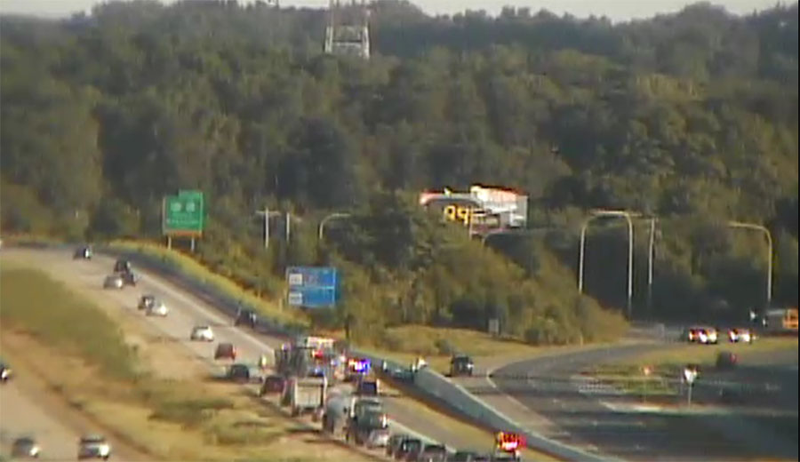 One lane of traffic gets by wreck on northbound Route 1 near Odessa. (Photo: DelDOT traffic cam)