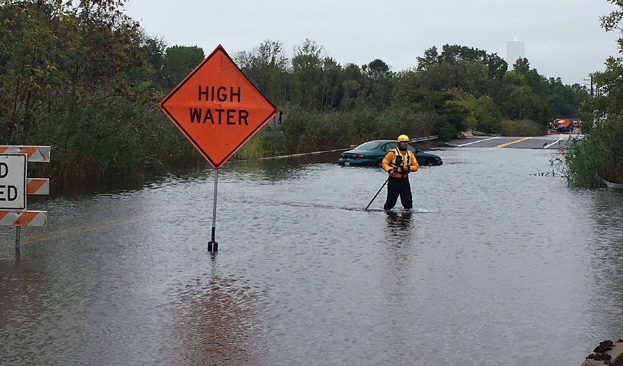 A car was stranded on Old Airport Road near Newport. (Photo: Delaware Free News)