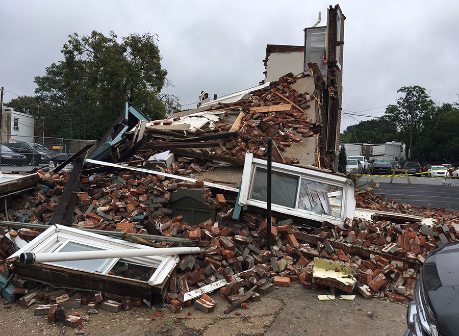 Building collapsed in 900 block of Walnut St. in Wilmington. (Photo: Delaware Free News)