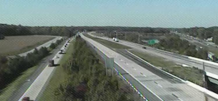 Southbound Route 1 traffic was diverted onto U.S. 13 at Exit 119 while police investigated fatal crash south of the interchange. (Photo: DelDOT traffic cam)