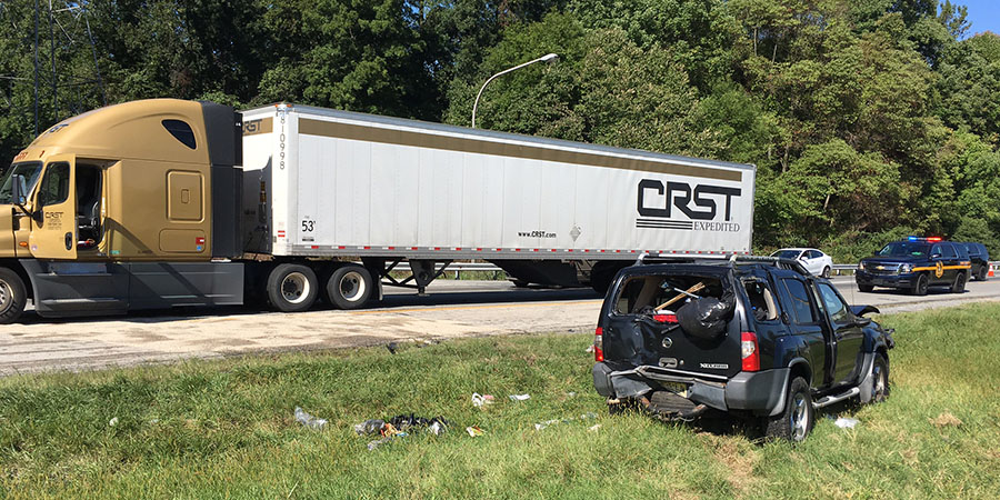 Tractor-trailer collided with SUV on southbound Interstate 95 at northern split with Interstate 495. (Photo: Delaware Free News)