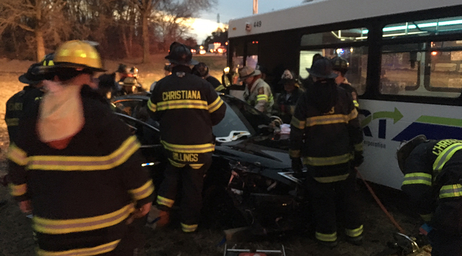 Wreckage of DART bus and two other vehicles ended up in median of Interstate 95 near sandbox maintenance area. (Photo: Delaware Free News)