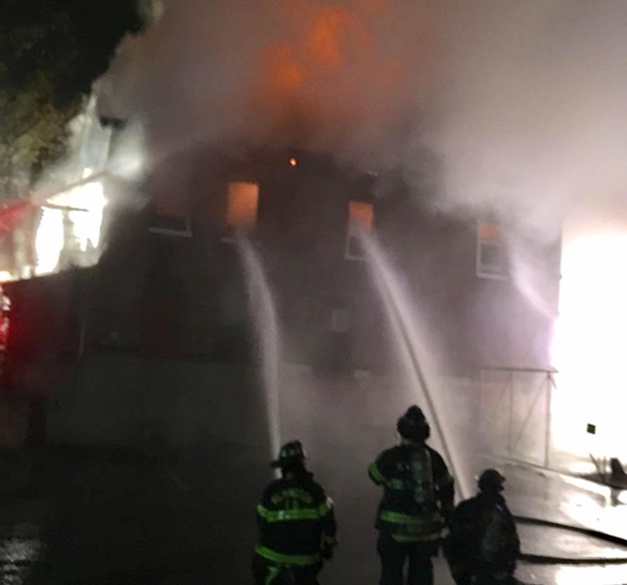Castlebrook Apartments: Photos: Two-alarm Fire In Wilmington